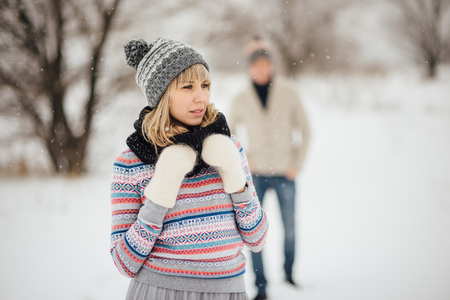 Happy Young Couple in Winter Park having fun.Family Outdoors. love Standard-Bild - 116294071