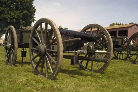 muzzle loading: Civil War muzzle loading artillery cannon