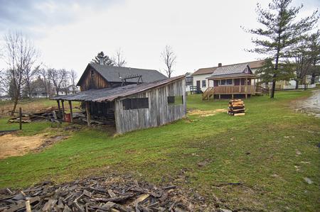 世紀の村 - バートン、オハイオ州 - 木小屋
