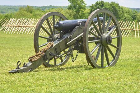 American Civil War field cannon artillery