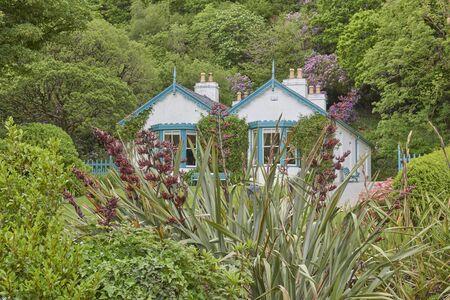Ireland Trip (May 19-29, 2019) Victorian Walled Garden. Part of Kylemore Abbey Estates. head Gardener's Home Redactioneel