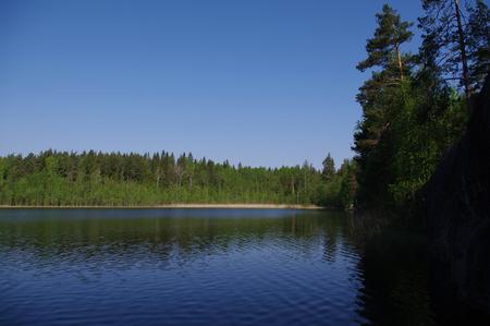 reflection water: acqua Riflessione sul lago Pestovo, quartiere Priozersky, regione di Leningrado, Russia