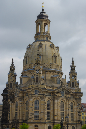 the Frauenkirche in the ancient city, historical and cultural center of Free State of Saxony in Europe. Standard-Bild