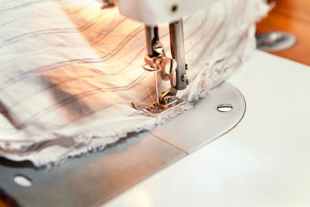 ミシンで縫われた生地