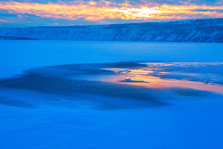 beautiful sunset over winter landscape Imagens