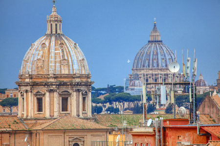 Old architecture of Rome, roofs and cupolas Editöryel