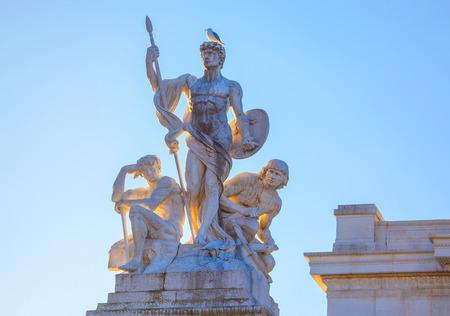 Three marble statues , of Altare della Patria in Rome Banco de Imagens