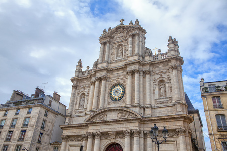 The church in Paris built in Baroque style