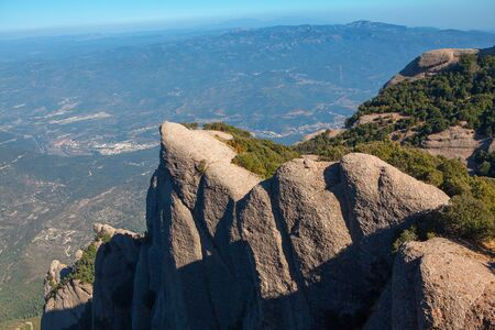 beautiful and high cliffs of Montserrat in Spain Imagens