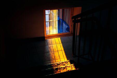 sunlight through the window in the dark room Stockfoto