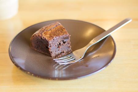 木製のテーブルのデザート チョコレートのソフト フォーカス。他のぼやけ選択と集中。 写真素材