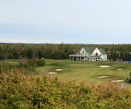 A view of the clubhouse of a golf course 版權商用圖片