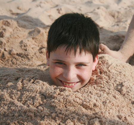 Buried Boy Zdjęcie Seryjne