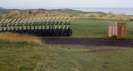 fescue: Pull carts