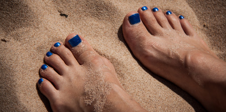 toes: toes in the sand
