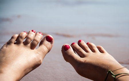toes: Toes and Ocean