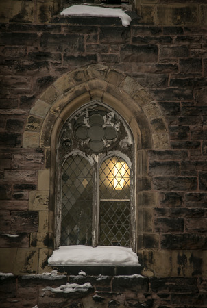 window church: chiesa finestra