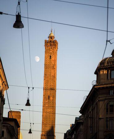 bologna: Leaning tower bologna