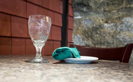 servilleta: vidrio y servilleta