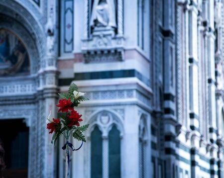 피렌체 대성당 앞의 꽃