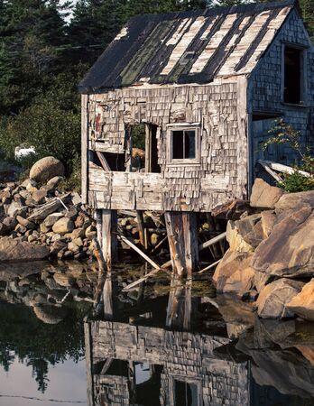 abandon: abandon fishing shack Stock Photo