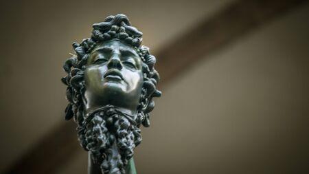 severed: severed head florence