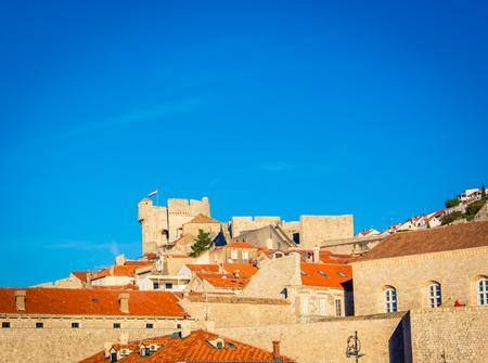 中世クロアチアのテラコッタの屋根 写真素材