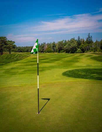 bandiera del golf nell'isola del principe edward