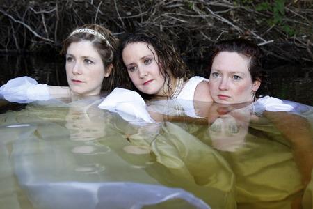 Vrouwen in het meer