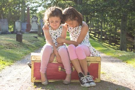 Αποτέλεσμα εικόνας για two little girls crying