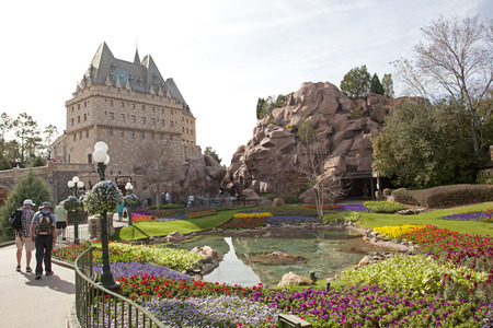 Orlando, Florida- February 5, 2018: The beautiful Canadian pavilion, architecture of quebec, at EPCOT in Disney Banque d'images - 105564264