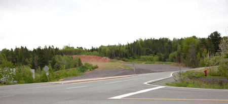 In the village of New Minas, Nova Scotia, construction on Granite Drive leads up to the new on and off exit to the 101 highway Imagens
