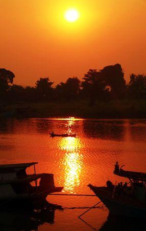 birma: Wazig Irrawaddy River Sunset Myanmar (Birma)