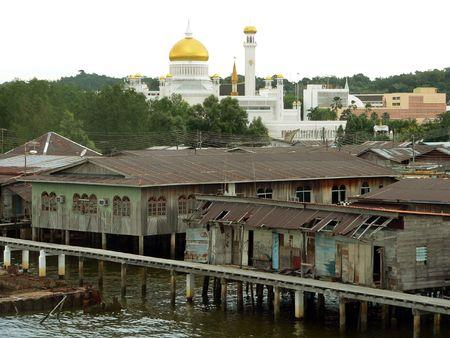 Brunei. Omar Ali Saifuddien Mosque (2of3) photo