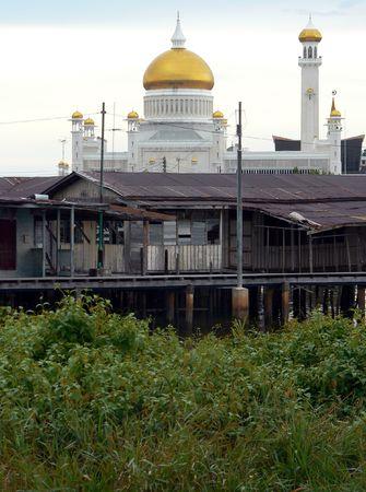 omar: Brunei. Omar Ali Saifuddien Mosque (3of3)