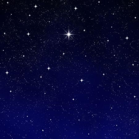 brightest: una sola stella luminosa che desiderano si distingue da tutto il resto Archivio Fotografico