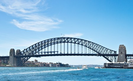 a great image of the iconic sydney harbour bridge 스톡 콘텐츠