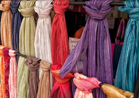 sciarpe: Tessuto in vendita