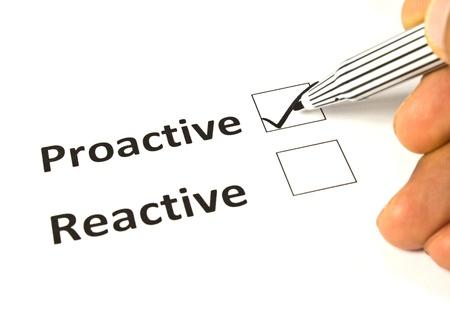 plan de accion: Dibujo de tiza - concepto reactiva o proactiva