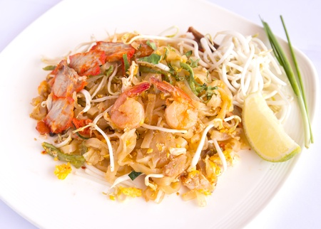 Thai food Pad thai , Stir fry noodles with shrimp Stock Photo - 16167625