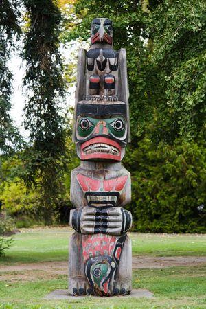 Maori carving photo