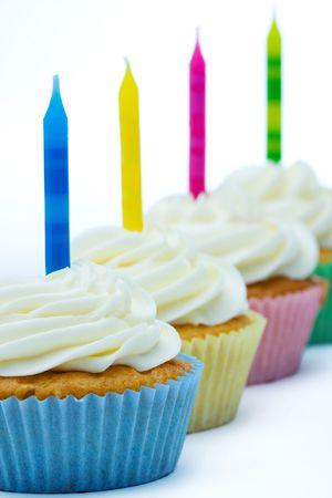 gateau anniversaire: Petits g?teaux d'anniversaire