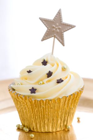 frosted: Golden cupcake