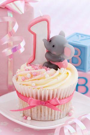 babys: Babys first birthday