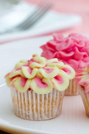 Mini flower cupcakes photo
