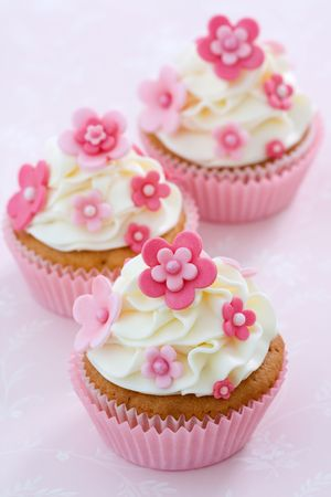 Flower cupcakes photo