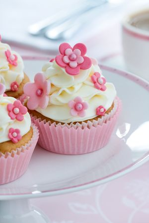 afternoon tea: Flower cupcakes