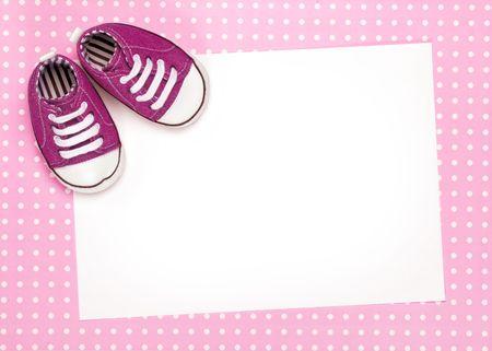 Tarjeta en blanco con zapatos de Rosa beb�  Foto de archivo