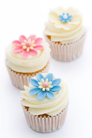 home baking: Flower cupcakes