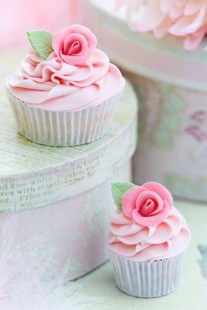 Rosas cupcakes Foto de archivo - 6406533